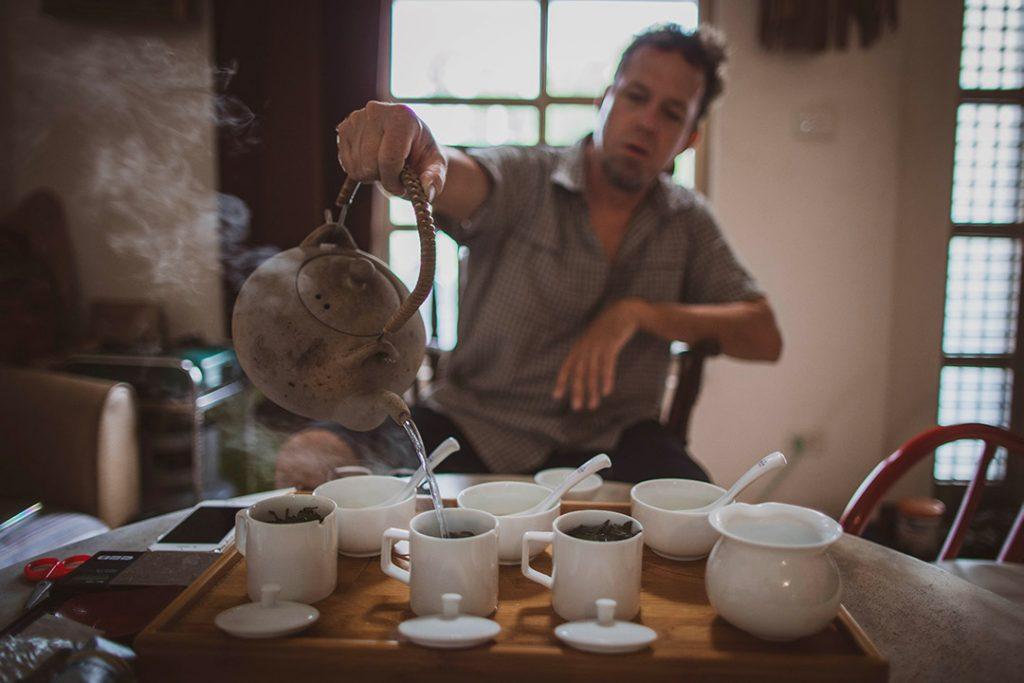 Choix de thés à Taïwan avec guide